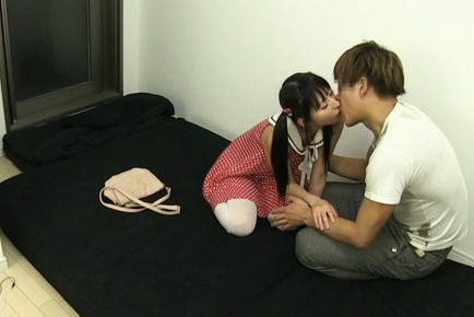 Teen Yuuki Itano pleases older guy with her pussy